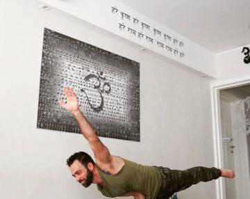 Intermediate/advanced Dharma yoga